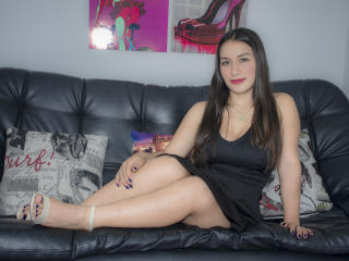 DulceMariaPrincess - Webcam hot with a Sweater Stretchers Horny lady
