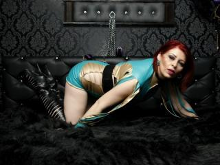 RedHeadLover - online show sexy with this Mistress with enormous melons