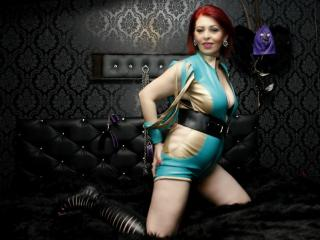 RedHeadLover - Live x with a shaved pubis Mistress