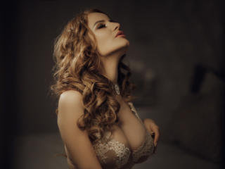 BritneyWeiss - Sexy live show with sex cam on XloveCam®
