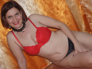 BigTitsXHot - Webcam live x with a MILF with big bosoms