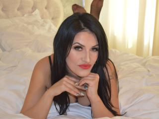 CoquineGiulia69 girl steamy chat on cam