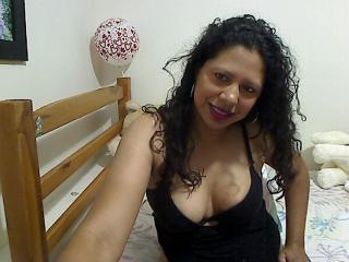 SweetBrunett - Live cam hard with a average boob Horny lady
