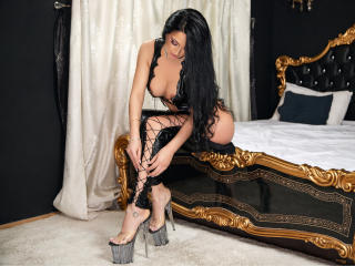 MikyLovely - Cam hot with a muscular build Young lady