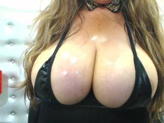 LatinBoobsX - online chat hot with this Lady over 35 with enormous melons