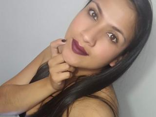 Mileidyy - Chat hard with a latin american MILF