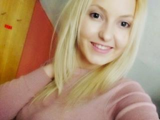 StarHannah - Webcam x with a Sexy babes with average hooters