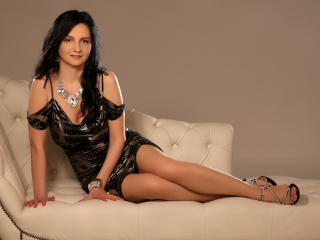 MadameAlexaX - Live cam hard with this regular body Lady over 35