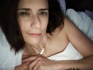 SexyGioconda - Web cam exciting with a chocolate like hair Attractive woman
