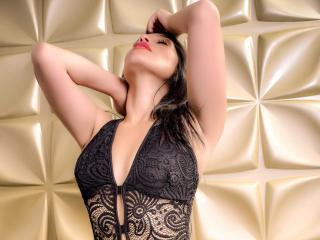 KattiaBrown - Webcam live nude with a shaved sexual organ Young lady
