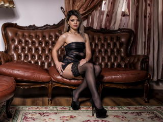 InnocentBela - Web cam nude with a being from Europe Girl