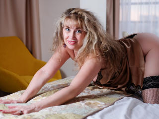 LadyMariahX - online show xXx with this golden hair Sexy mother