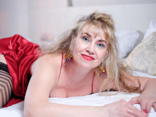 LadyMariahX - Live exciting with a regular body MILF