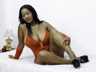 Cameronn - Live chat porn with this standard body Mature