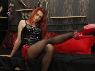 HotAndDirty模特的性感个人头像,邀请您观看热辣劲爆的实时摄像表演!