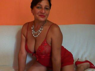Picture of the sexy profile of LadyMari, for a very hot webcam live show !