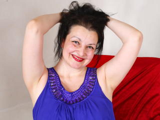 Luckystarlet - Chat sex with this shaved sexual organ Hot chick