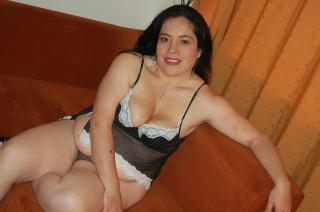 Picture of the sexy profile of LindaLatina, for a very hot webcam live show !