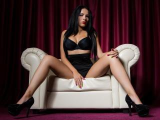 Bild på den sexiga profilen av LourdesVonHades för en väldigt het liveshow i webbkameran!