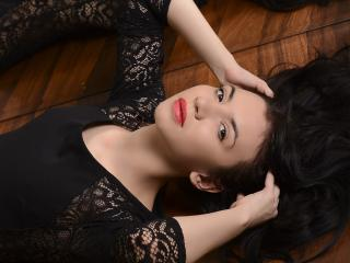 MissAlbaX - Live hard with a black hair Young lady