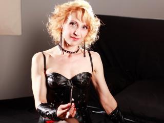 Foto de perfil sexy da modelo MaitresseGeorgette, para um live show muito quente!