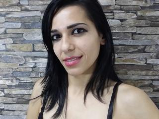 PlayfulShow - Web cam exciting with this shaved pubis Hot babe