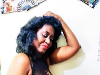 HotSaley - Chat live xXx with this ebony Horny lady
