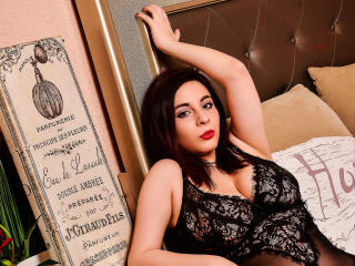 ClaraCoxX - Show live hot with this shaved genital area Young lady